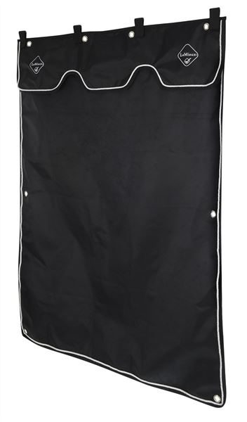 lm-stable-curtain-black2-hr